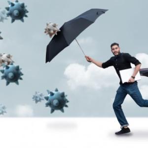 傘でソーシャルディスタンス!大きめ折りたたみ晴雨兼用傘3選