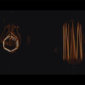 【神はサイコロを振らない/夜永唄】歌詞の意味を徹底解釈!冷めた彼女を慈しむ痛々しい失恋ソング。
