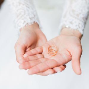 結婚式=ケーキ入刀ではない?!ケーキ入刀の意味とオリジナリティのある演出