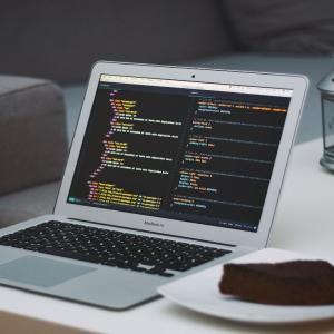 プログラミングとはコンピュータ相手の指示書を書くこと
