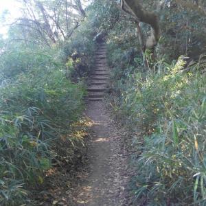 ローブで下る所も②天国ハイキングコース一人旅