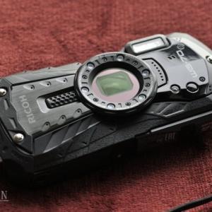 コンデジ「RICOH WG-70」の接写モードで遊んでみた。自分の目はどうなってる?
