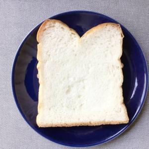 店内で粉から製造するこだわり!口どけなめらかなオリンピックの食パン