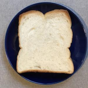 店員さんの親切な接客にほっこり。サミットの食パン