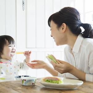 お母さんが試して得をする!子供が楽しく食事をする方法