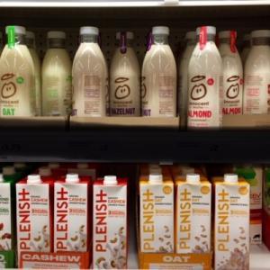 イギリス発 牛乳の種類 Lactos Free Milk ラクトースフリーミルク 増える選択肢