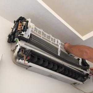 エアコンの掃除を業者に依頼する前に必ず覚えておきたい7つのこと