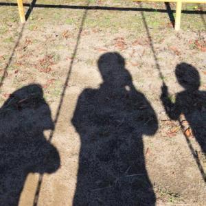 【休校中の子供達】鍵っ子の3人組、リスとミントとジャグリング。