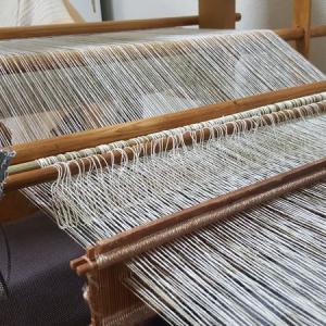 地機布14 糸綜絖作りから織り始め