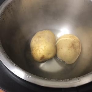 【ヘルシオホットクック】じゃがいもを茹でポテトサラダを作る