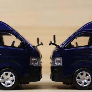 1/43 RAI'S トヨタ ハイエース DX 4ドア ハイルーフ 2013 比較