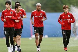 【サッカー】オナイウが代表初ゴールからの連続弾でハット! 日本、キルギスに快勝で二次予選8戦全勝