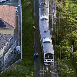 【悲報】クソガキ(10)、外房線の線路に置き石実験をして電車を脱線させてしまうwwwww