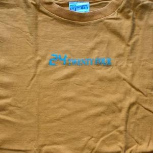 黄色のTシャツ 3