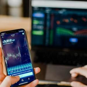 2021年3月度|FOLIOロボプロ vs WealthNavi・可変型投信のリターン比較