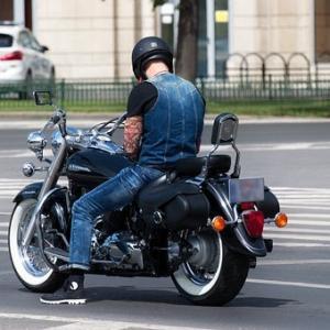「見栄より身をとれ」リターンライダーが乗るべきバイク選び【足つき性の良さが重要な理由】