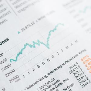 QQQを衝動買いするなら投資信託iFree NEXT NASDAQ100でよい