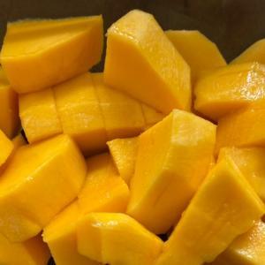 やっぱり美味しい!マンゴーの剥き方〜種はどこに!