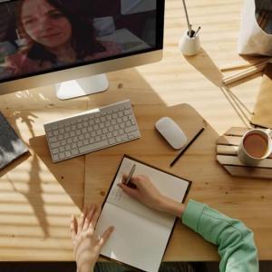 アプリ+オンライン英会話で効率的学習
