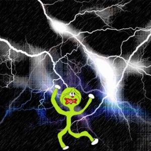 「iPhone天気」が雷マークばかり!なんでこんなポンコツなの?