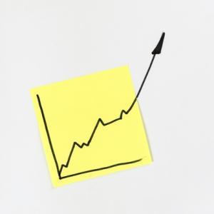 半年で50%の運用益! NASDAQ100 3倍ブルの投資価値について解説