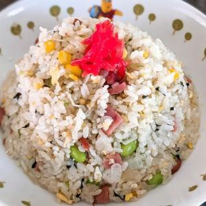 【男のズボラ飯】ジャンクスパゲッティに続き「お茶づけの素」を使ってチャーハンを作ってみました!和風になって美味しいです!
