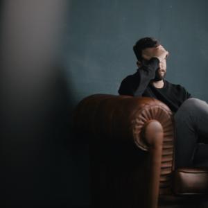 【ブラック企業の見分け方】簡単に判断出来る転職で失敗しない為の5つのチェックリスト