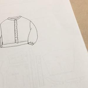 パターンを買う(Lilla Blomma「petit furill blouse」)