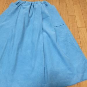 【完成】細コーデュロイの水色スカート