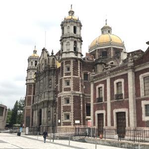 メキシコシティで一番古い寺院 グアダルーペ寺院