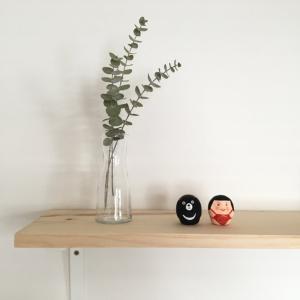IKEAのブラケットで飾り棚をDIY