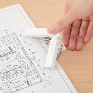 携帯に便利な二穴パンチ「ミドリ コンパクトパンチ」