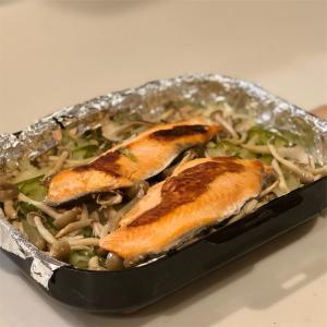 鮭のホイル焼き風&サラダ&ソフト食パン