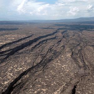 500万年後アフリカ大陸の東側が裂けるアファール地域