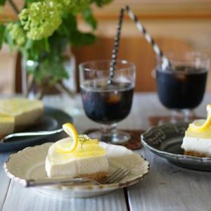 爽やかなこの季節にピッタリのレモントヨーグルトのレアチーズケーキ