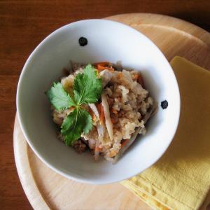 炊飯器*具材3つだけで五目ご飯風炊き込みご飯簡単レシピ