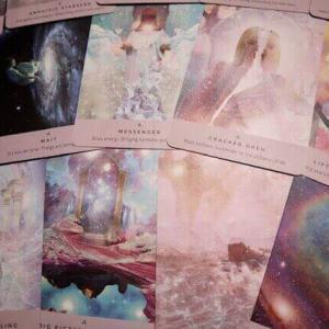 【オラクルカード】日本語版も!レベッカ・キャンベル&ダニエル・ノエルの「スターシードオラクル」で宇宙と繋がる