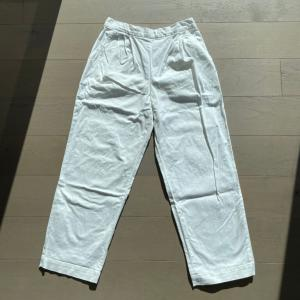 「KANA'S STANDARD」の白いパンツをリメイク…?
