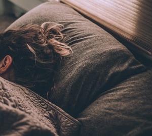 睡眠学習は本当にあるのか?睡眠と学習について