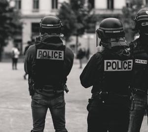 自粛警察たちの心理学(モラルライセンシング)