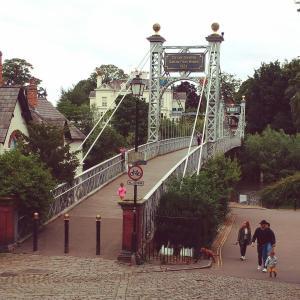 ロックダウン中のチェスター街歩き【城壁散歩、橋・公園の写真】