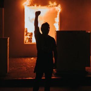 米国における暴動の本質