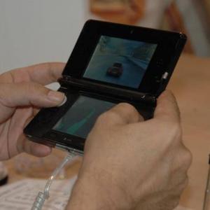 こどおじワイ 3DSを購入するもソフトが買えない為無料ゲーで遊ぶ