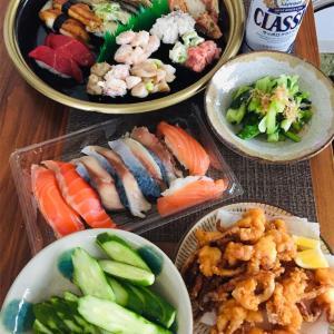 松の葉の大好物お寿司で晩酌。