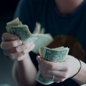 婚活女性にとって男性の年収500万は夢見すぎ?少なすぎ?