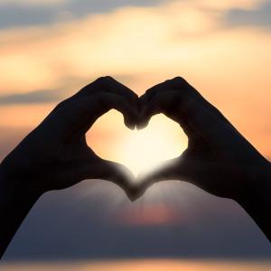 愛とは何ぞや?3つの種類と「本当の愛」の意味と素晴らしさ「私はどの愛を持ってるかな?」