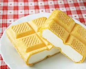 【アイスクリームモナカ】昨日たまらず買って食べました「どれが食べたいですか?」花見しながら食べてその終着点は?