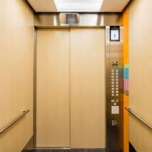 【エレベーター内の会話】コロナ感染のおかげで「気楽になりました」