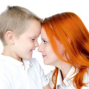 子どもをかまいすぎる毒親