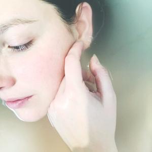 【美容液の役割】美容液で保湿しながら美白